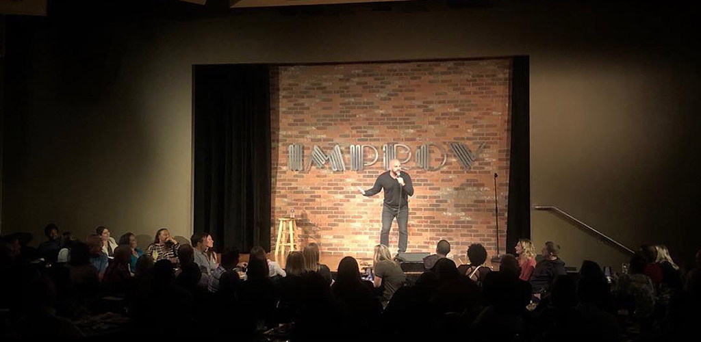 An entertaining stand-up show at Improv