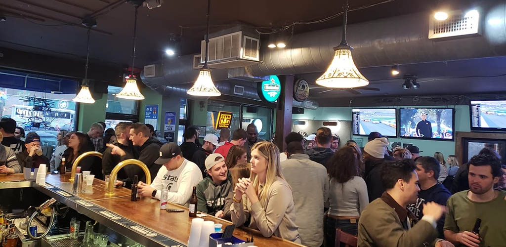 The Oak Tavern full of MILFs in Cincinnati