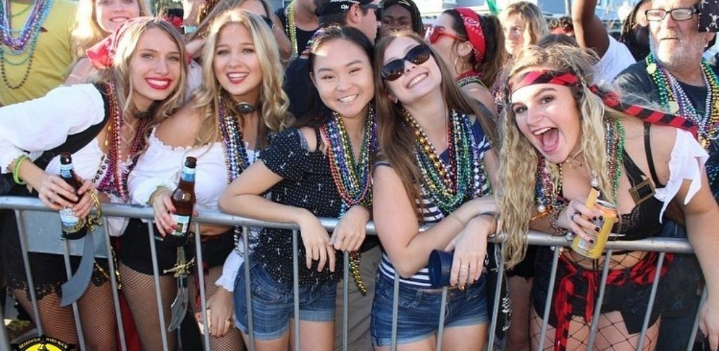 Young Tampa MILFs having fun during a festival