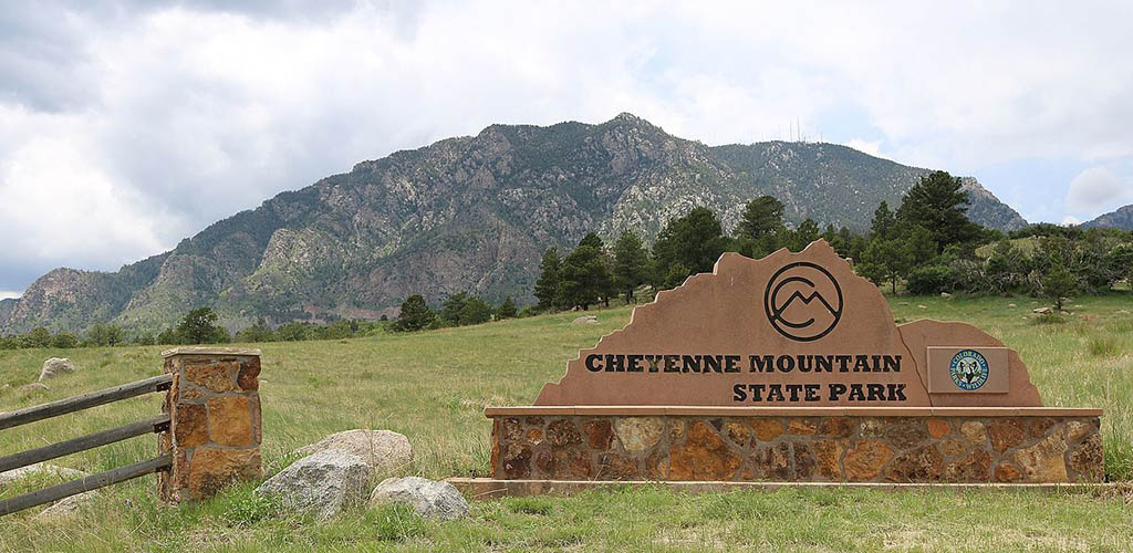 Entrance to the Cheyenne Mountain State Park