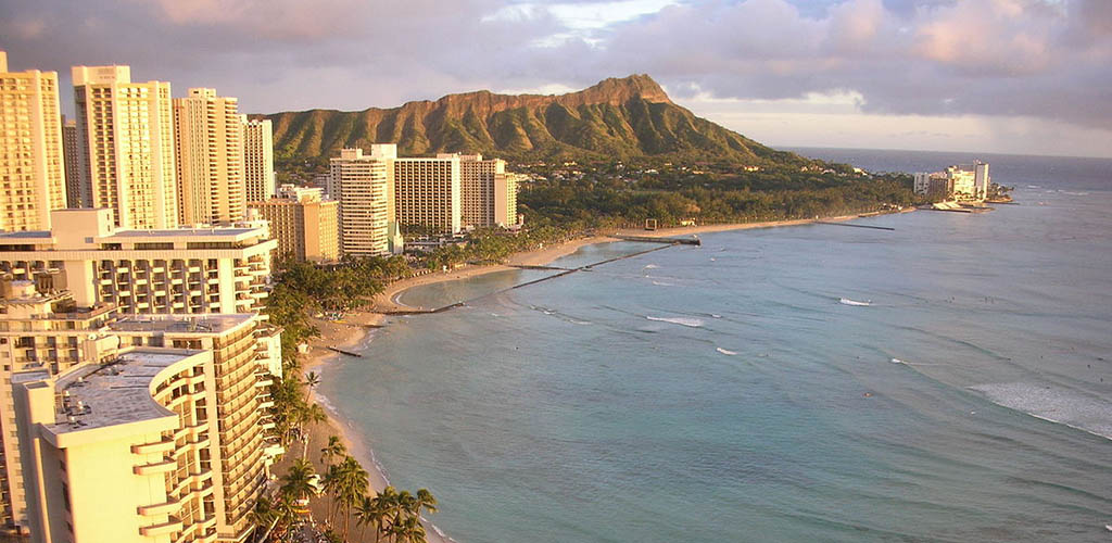 The beautiful view of the beaches of Honolulu