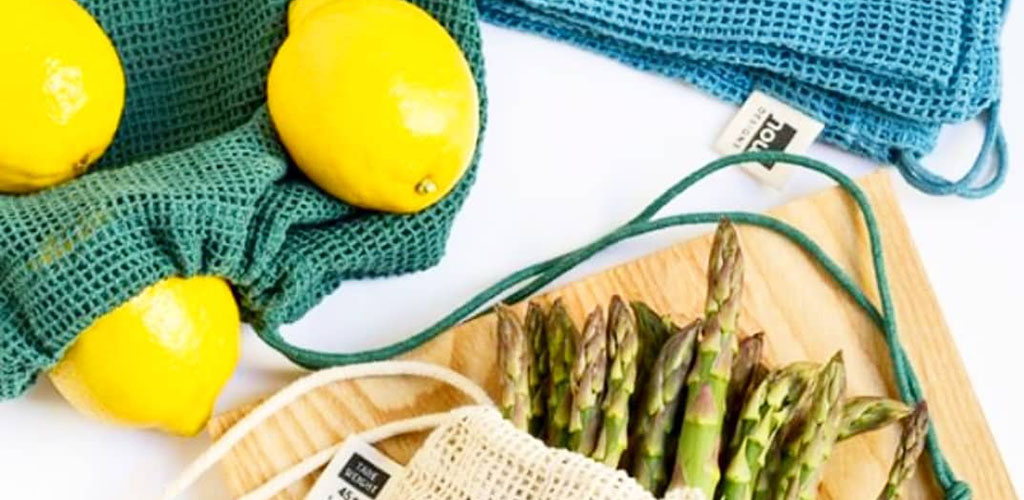 Fresh lemons and asparagus from The Casual Gourmet
