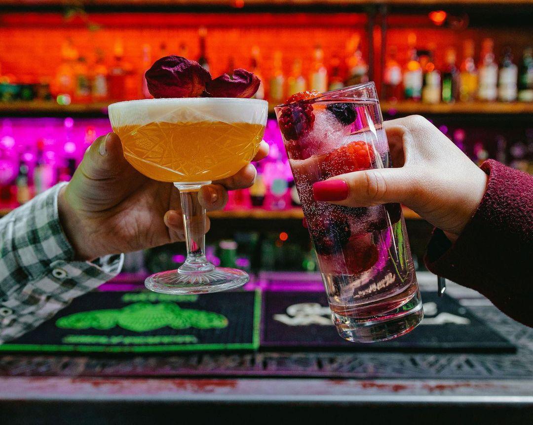 An El Paso couple enjoying drinks on a date at International Bar