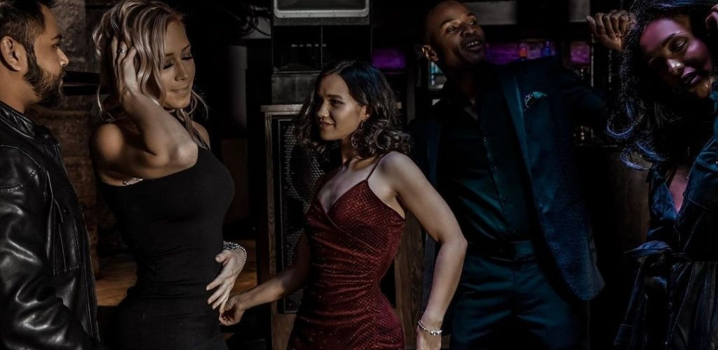Minneapolis MILFs dancing with men at The Exchange & Alibi Lounge