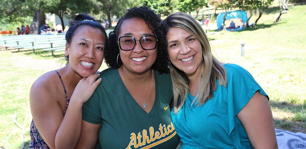 Beautiful MILFs in Oakland spending an afternoon at Dimond Park