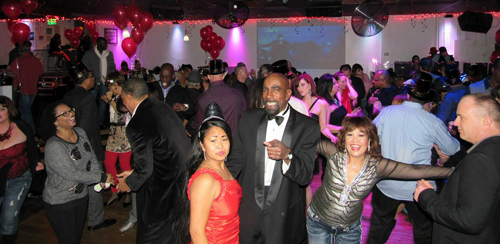 Proof Niteclub during a fun event full of mature women