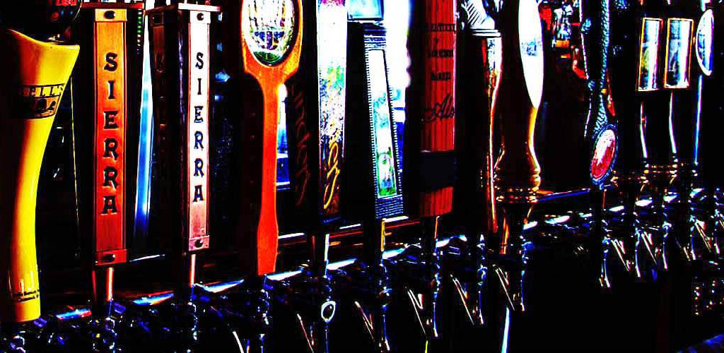 The many beer taps of Winking Lizard