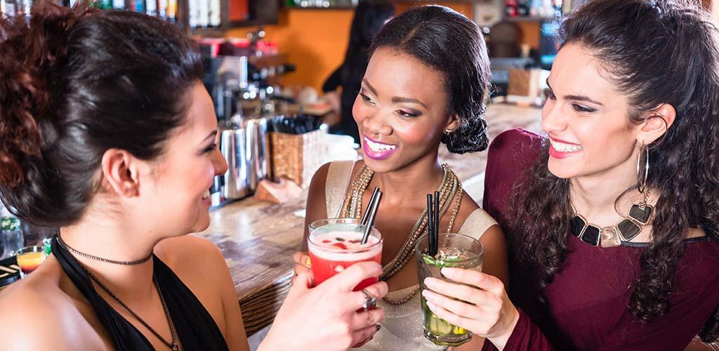 Fort Worth MILFs enjoying the nightlife at a classy bar