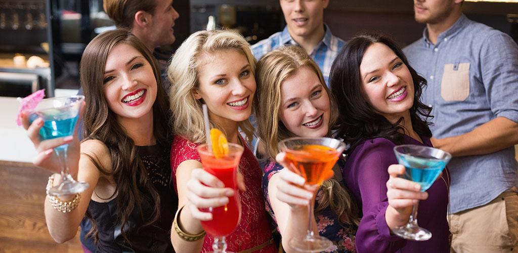 Meet beautiful women at these cougar bars in Tulsa Oklahoma