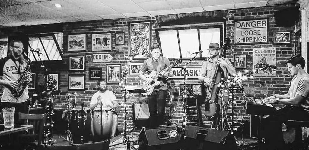 A live jazz performance at Cats Eye Pub