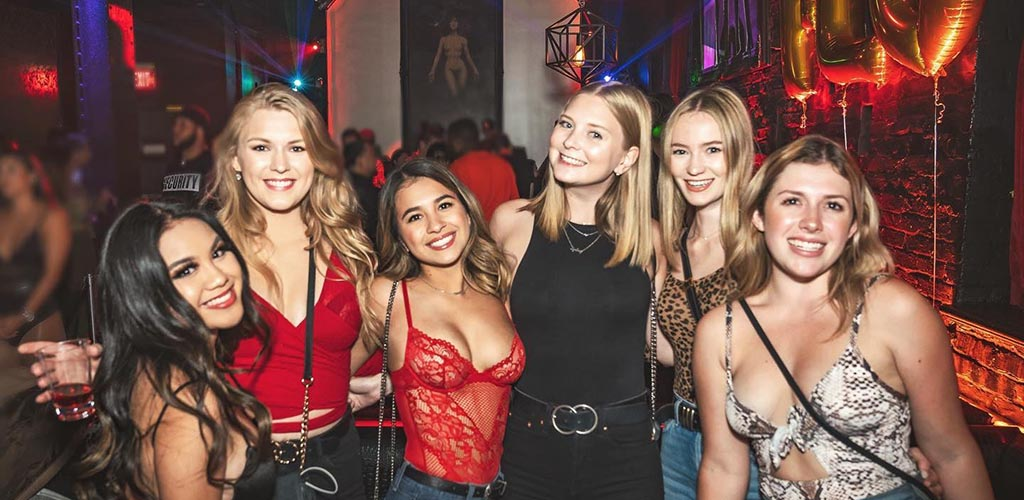 Super sexy ladies on a night out at Harlot