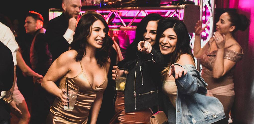 Gorgeous women at QBar Lounge
