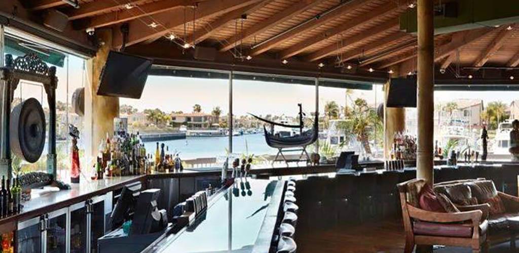 The beachside bar of Tantalum Restaurant