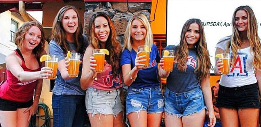 Tucson MILFs holding their juices outside Frog and Firkin