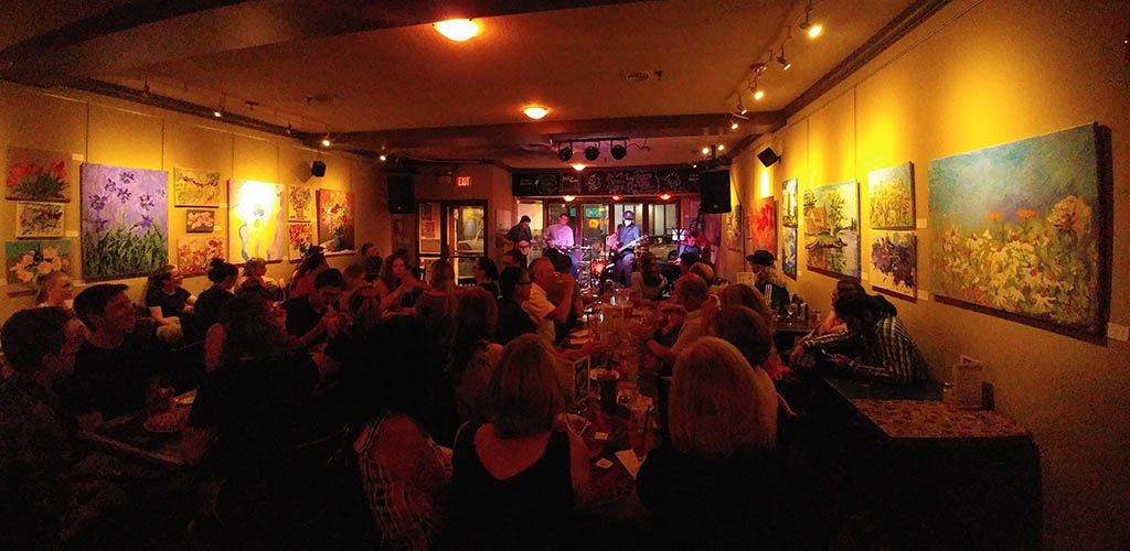 The evening crowd at Atomic Rooster