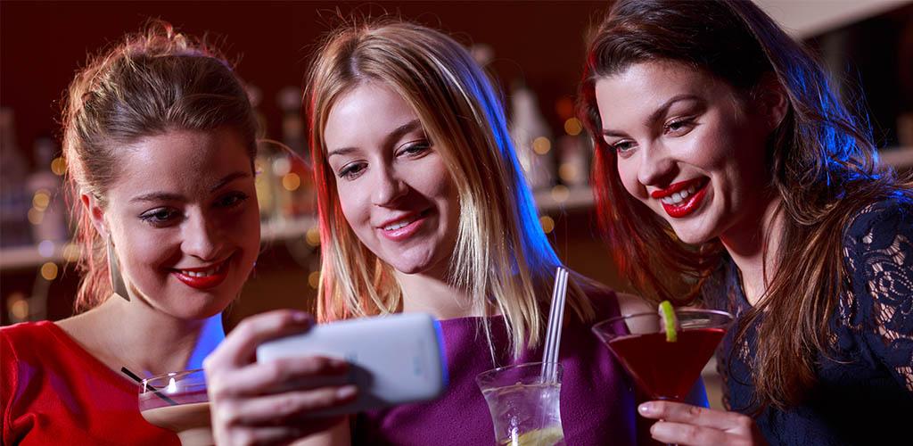 Popular bars often have ladies this beautiful