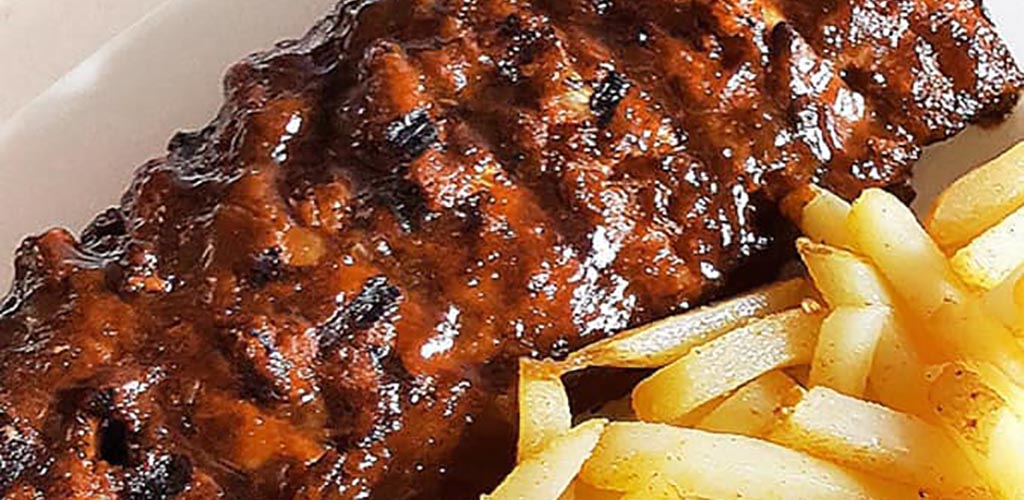 Ribs and fries from Blackwoods Pub