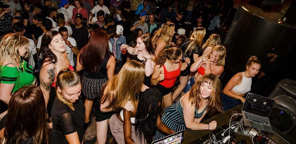 The full dance floor at Citizen Dance Club