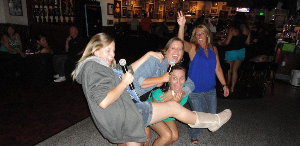 Ladies getting rowdy at Pal Joey's