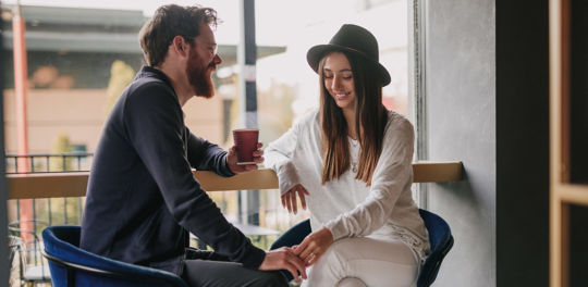 You need to learn how to tell if a girl likes you from her body language