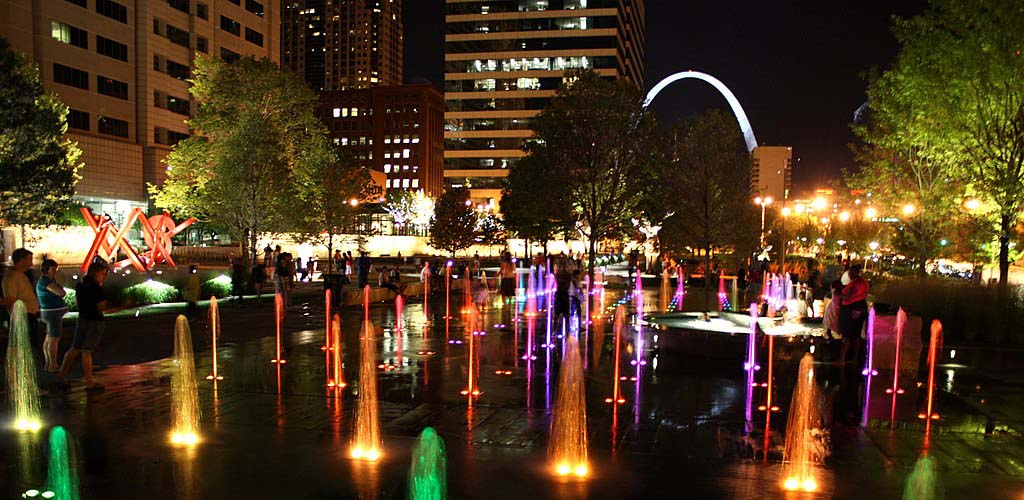 The fountains at Citygarden in the evening