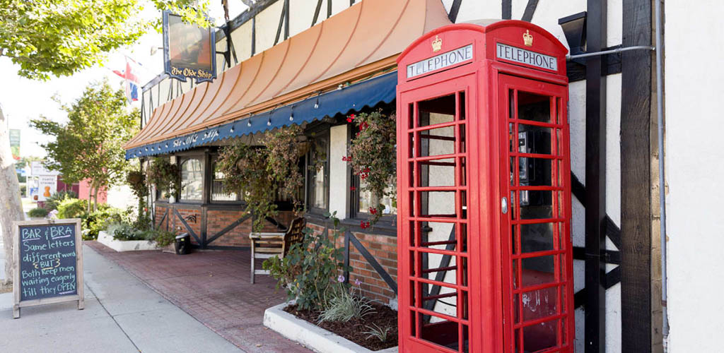 The charming exterior of The Olde Ship
