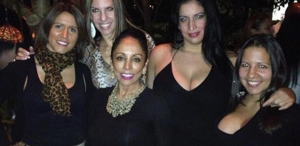 Hot Orlando cougars hooking up in at Rocco's Tacos & Tequila Bar