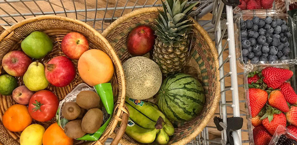 Baskets of fruits from Ecollegey