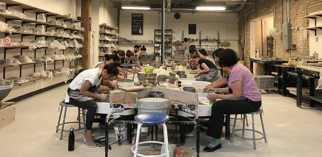 A class full of Chilcago MILFs at Penguin Foot Pottery