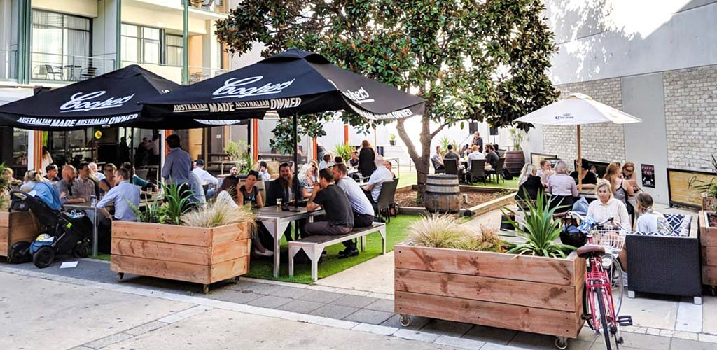 The outdoor area of Clarendon Hotel Bar