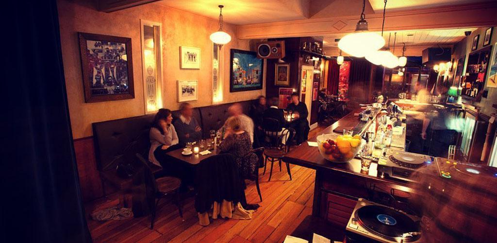 Dinnertime at Havana Bar