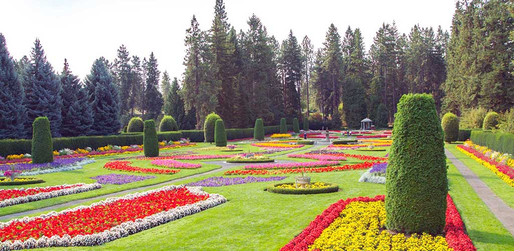 Manito Park full of colorful flowers