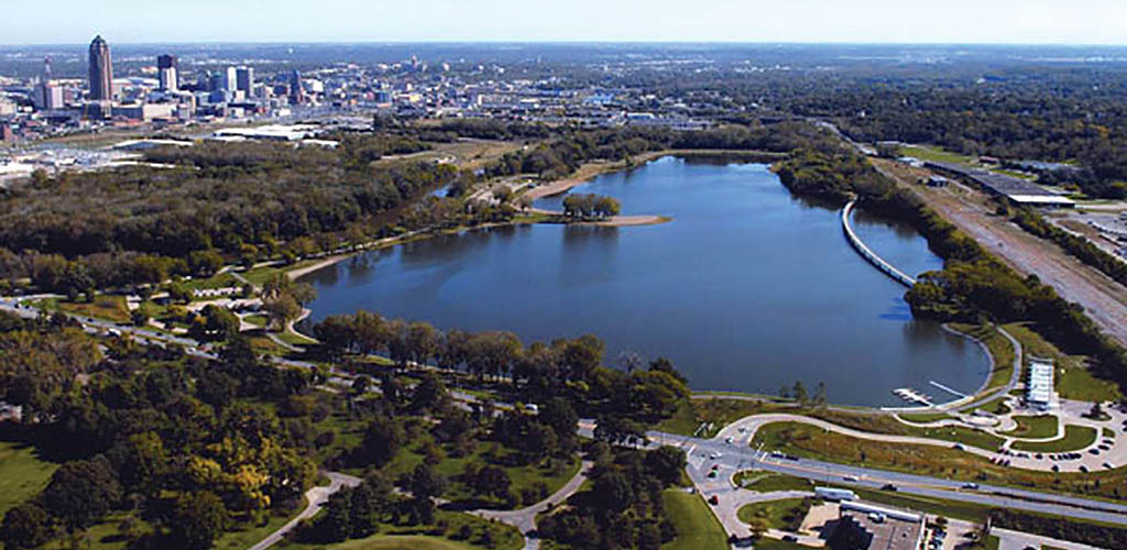 Aerial view of Gray's Lake Park