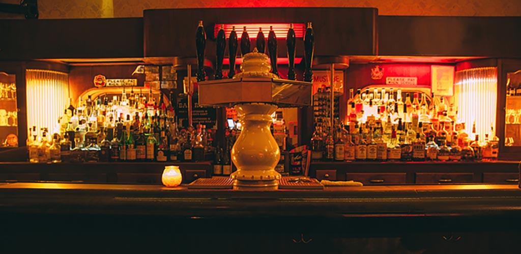 The romantically lit Bar DeVille