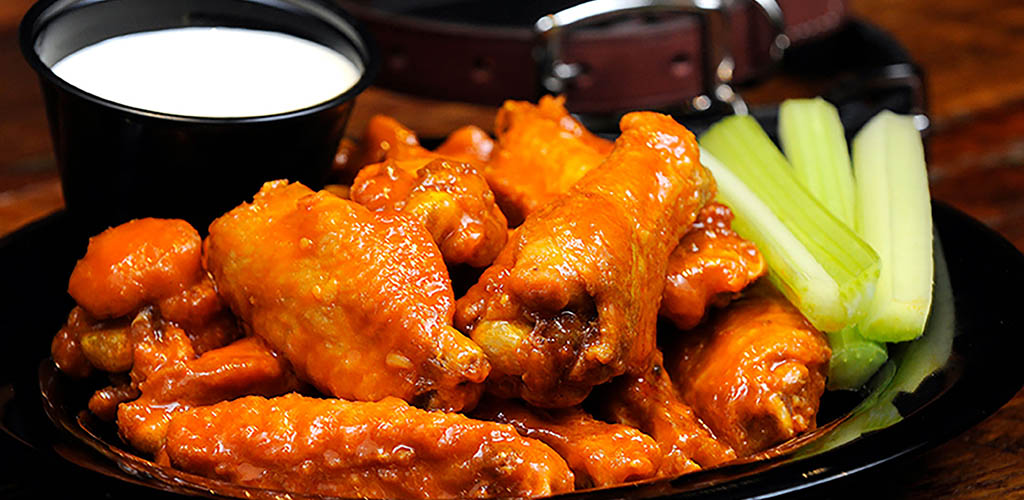 Buffalo wings from Double Dog
