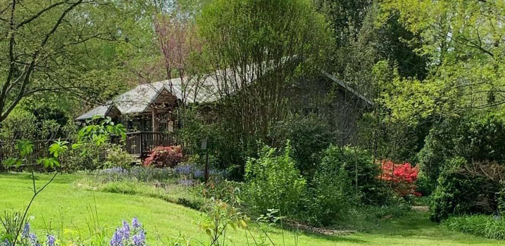 A quaint cottage at Ijam's Nature Center