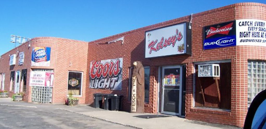 Kelsey's in the daytime before the crowds come in