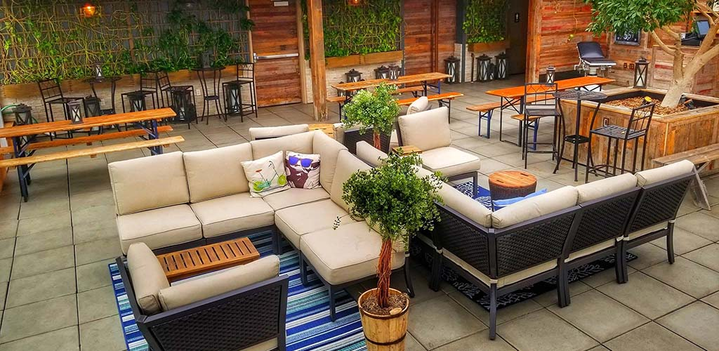 The gorgeous patio of Luft