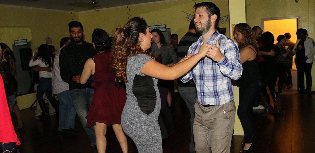 A dance class at Tulsalseros