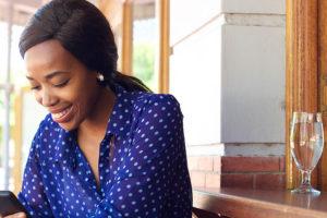 Charleston woman using a dating app