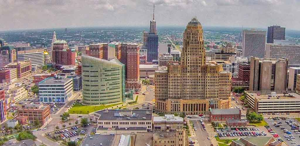 Enjoy the city more by downloading the best Buffalo dating apps