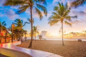 Apps you can use to meet women on the beach in Fort Lauderdale