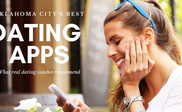A woman at a cafe using some of the best dating apps and sites in Oklahoma City