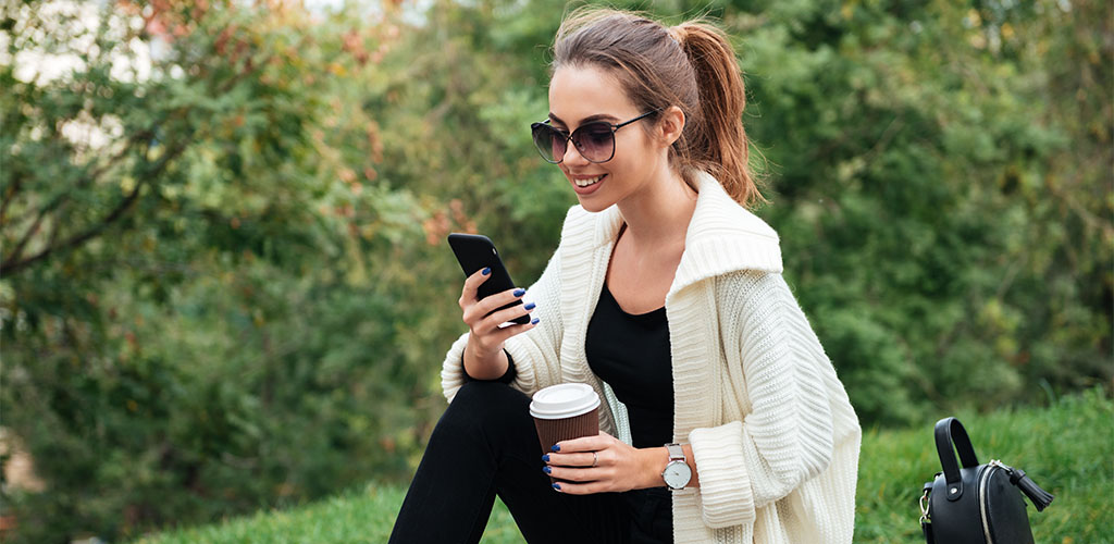 Dating app being used by a woman in Tacoma Washington