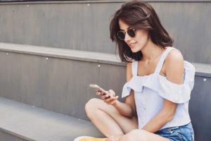 Modesto California woman using an app to hookup