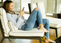 Attractive Atlanta Georgia woman trying hookup apps at home