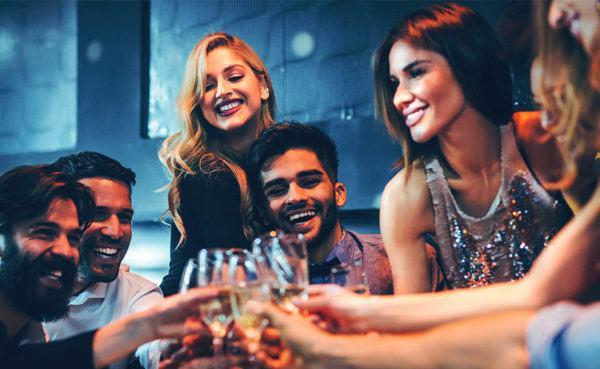 Group of Las Vegas singles at a hookup bar
