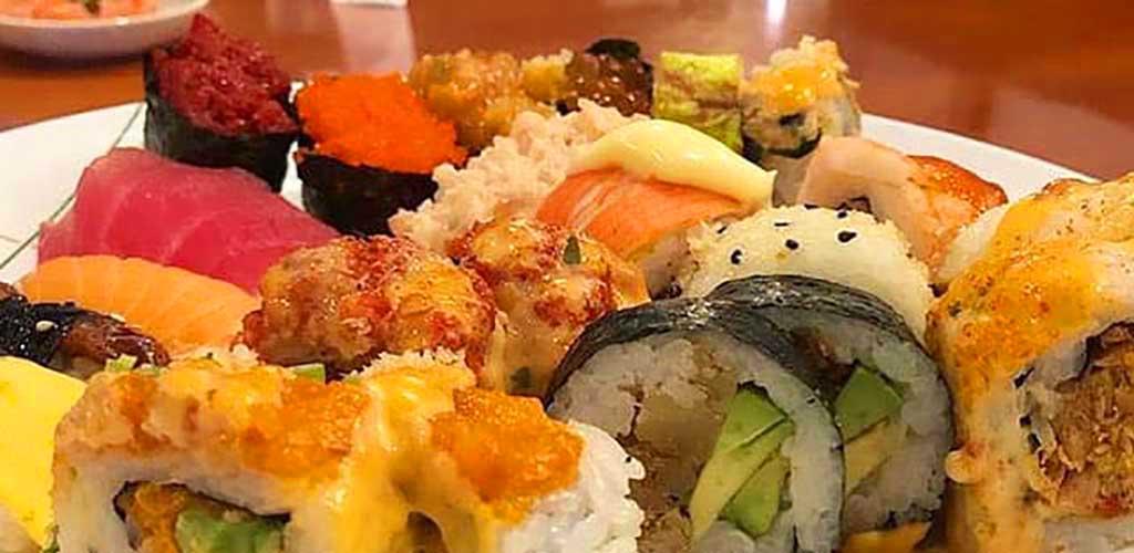Sushi roles from Gold Hibachi Buffet