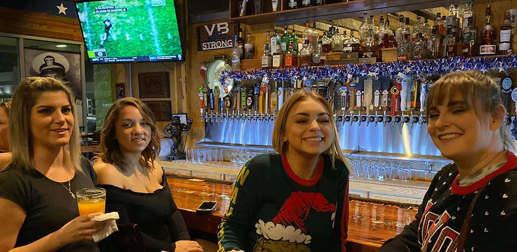 Warriors Taphouse is a bar for fun Virginia Beach hookups