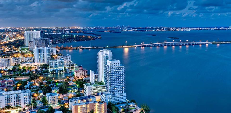 Biscayne Bay is one of the hotspots where you can find lots of BBW in Miami Florida